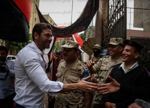 الفنانون يواصلون الإدلاء بأصواتهم في انتخابات الرئاسة