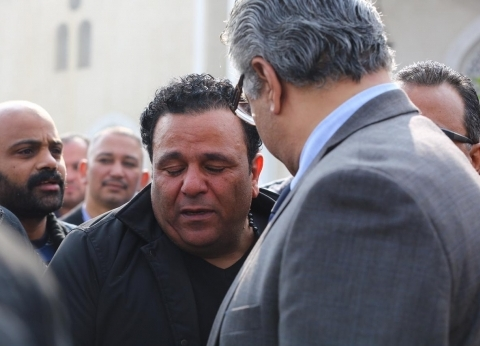 وصول المؤلف مدحت العدل عزاء شقيق الفنان محمد فؤاد