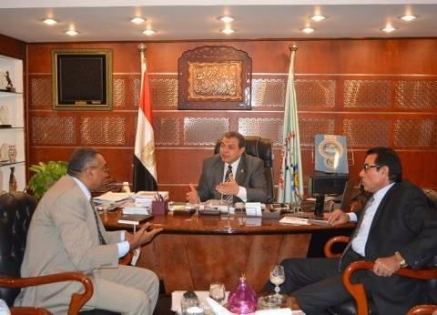 وزير القوى العاملة يلتقي المرشح لرئاسة الجامعة العمالية للتحضير لتطويرها