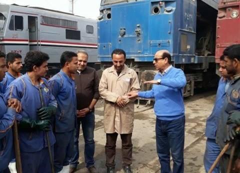 """""""السكة الحديد"""" تبدأ أعمال تنظيف المحطات والقطارات استعدادا لعيد الأضحى"""