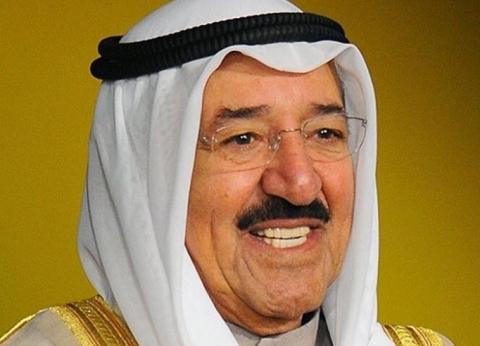أمير الكويت يتجه إلى شرم الشيخ لترأس وفد بلاده في «العربية الأوروبية»