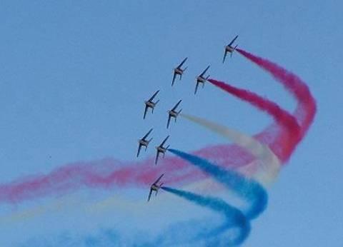 """قفز بـ""""البراشوت"""" وتشكيل أعلام ثنائية بين مصر والسودان خلال احتفالات أكتوبر"""