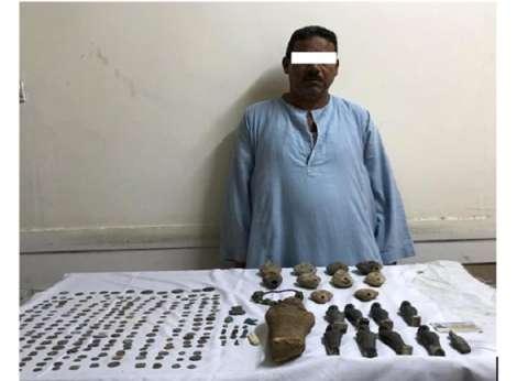 صور.. ضبط 277 قطعة يشتبه في أثريتها بحوزة مزارع في المنيا
