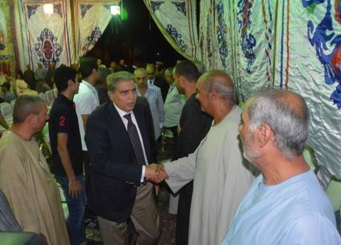 محافظ المنيا ومدير الأمن يقدمان واجب العزاء لأسرة الشهيد سعيد سعودي
