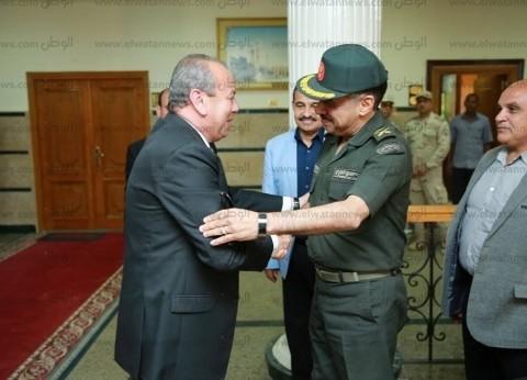 بالصور| محافظ كفر الشيخ يبحث مع رئيس المصرية للرمال إنشاء مصنعي البرلس