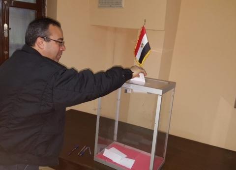 المصريون بالصين يواصلون لليوم الثالث التصويت في الاستفتاء