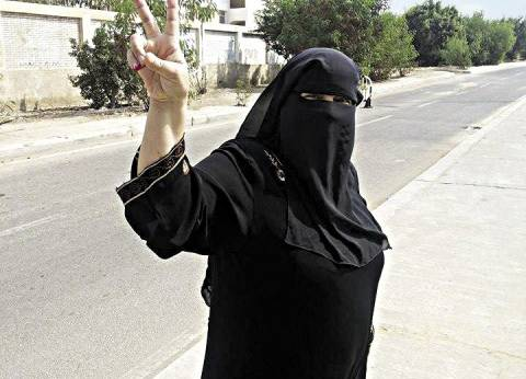 تهديد منتقبة: الإخوان «ما تنزليش».. والسلفيين «ما تنتخبيش غيرنا»