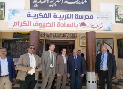 رئيس جامعة الوادي الجديد يدلي بصوته في الاستفتاء على التعديلات