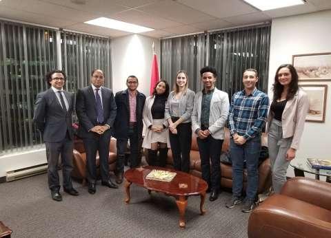 بالصور| سفير مصر بكندا يستقبل المشاركون بمنتدى شباب العالم