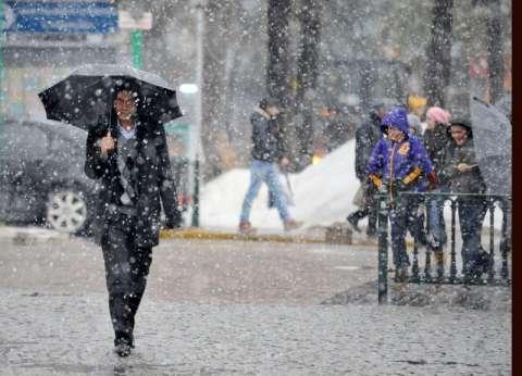 إجلاء عشرات المواطنين غمرت مياه الأمطار منازلهم في تونس