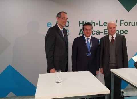 """""""عبد الغفار""""يشارك في ندوة """"عولمة التعليم العالي من التأثير إلى التكامل"""""""