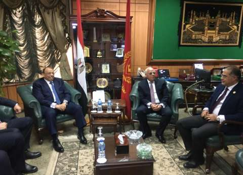 وصول وزير التنمية المحلية لبورسعيد للاحتفال بالعيد القومي للمحافظة