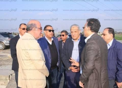 بالصور| وزير النقل يتفقد الطريق الدائري الإقليمي: انتهينا من الأنفاق