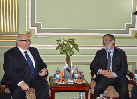 جامعة عين شمس: تعاون مع الجهاز المركزي للإحصاء في تكنولوجيا المعلومات