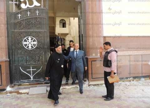 بالصور| مدير أمن مطروح يطمئن على تأمين الكنائس