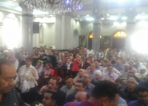 """حزن بين مصلين """"أحد الشعانين"""" ببني سويف عقب تفجيرات طنطا والإسكندرية"""