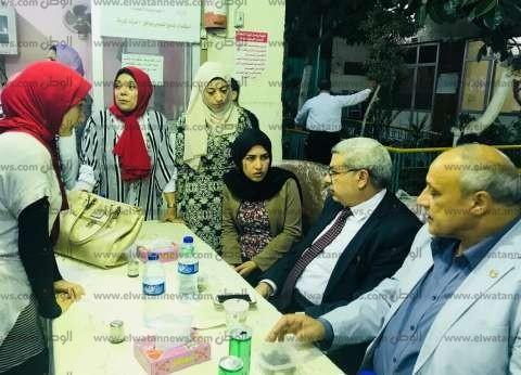 نائب رئيس جامعة طنطا يتناول الإفطار مع طلاب المدينة الجامعية