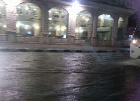 """محافظ الإسكندرية ووزير الري يتفقدان مصرف """"القلعة"""" استعدادًا للشتاء"""