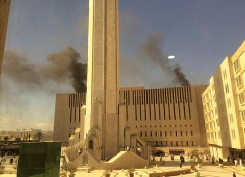 بالصور| الدفاع المدني يسيطر على حريق بأحد مباني التليفزيون السعودي