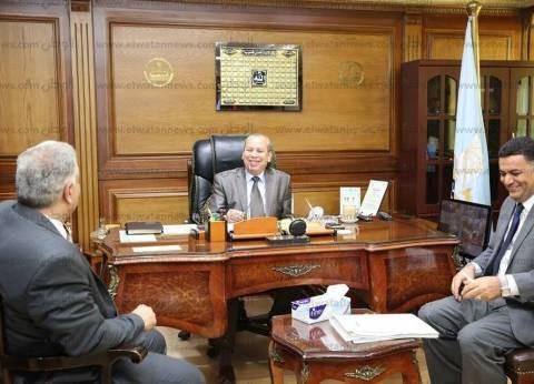 صور| محافظ كفر الشيخ يبحث قضايا المحافظة مع المستشارين القانونيين