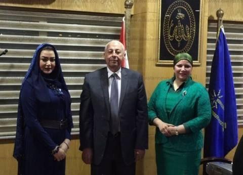 محافظ أسوان يلتقي سفيرة السلام والنوايا الحسنة