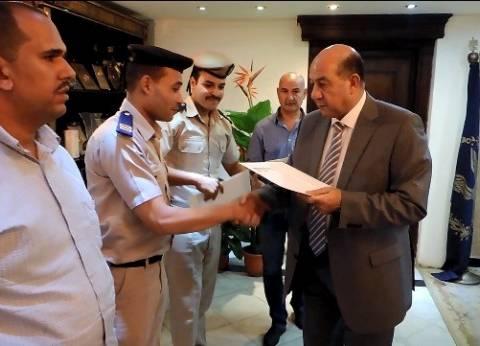 مدير أمن القليوبية يكرم قوة كمين أبو زعبل بعد ضبط مسجلين هاربين
