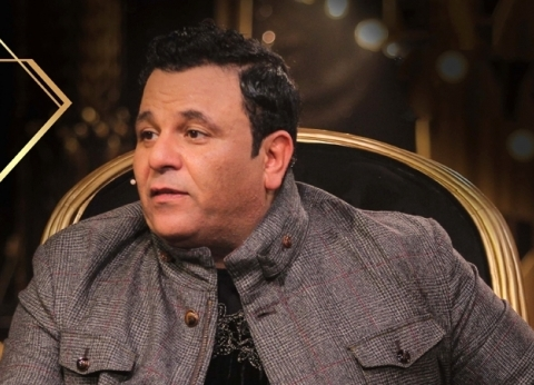 """محمد فؤاد بعد توزيع الشاي في الاستفتاء: """"مصر تستحق مننا أكتر من كدة"""""""