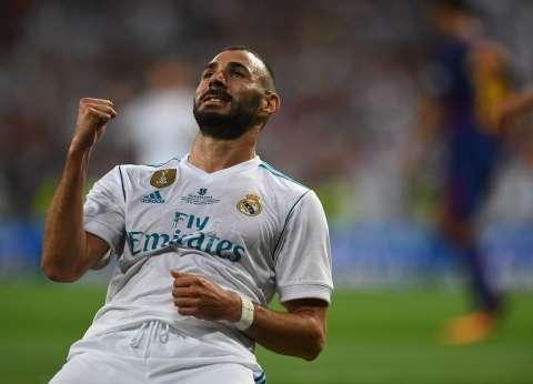 غدا.. بنزيما لاعب ريال مدريد يصل إلى الغردقة