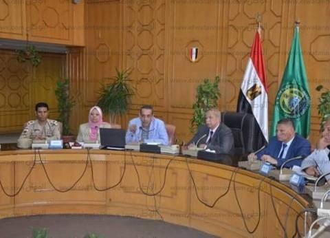 محافظ الإسماعيلية: بدء تنفيذ 3 مشروعات استثمارية بالمنطقة الحرة