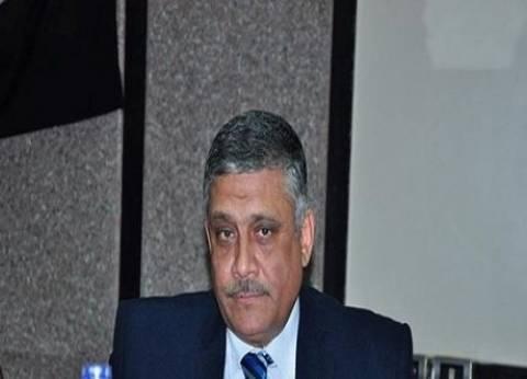 نائب رئيس جامعة عين شمس لشؤون البيئة يتفقد مكتب تنسيق المدينة الجامعية