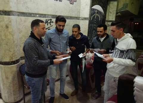 """""""المصريين الأحرار"""" يواصل تحركاته بحملة """"من حقك تعرف"""" في المطرية"""