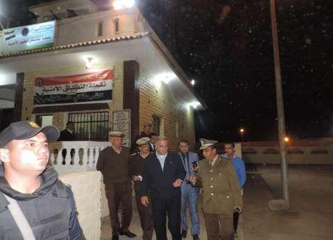مدير أمن الفيوم يشدد على يقظة القوات بالنقاط الأمنية بالطرق