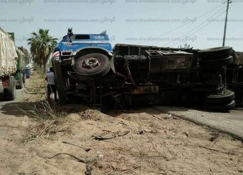 8 مصابين في انقلاب سيارة شرطة على الطريق الدولي بجنوب سيناء