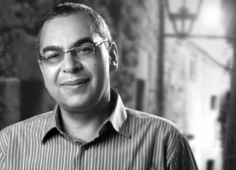 """أحمد خالد توفيق يوقع """"أفلام الحافظة الزرقاء"""" بـ""""أ"""" 22 أكتوبر"""