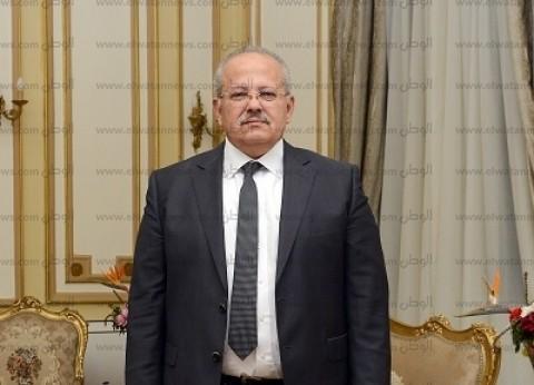 رئيس جامعة القاهرة يؤم صلاة الغائب على أروح ضحايا قطار محطة مصر