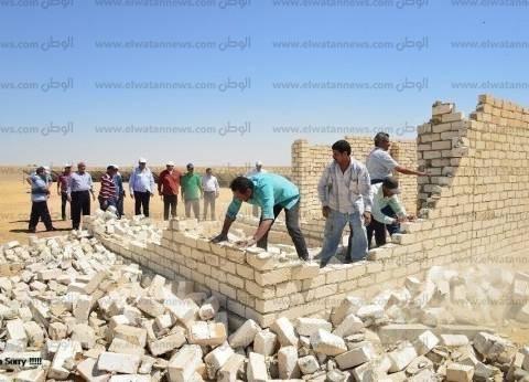 إزالة 25 منزل تعديات داخل 200 فدان بالعلمين في مطروح