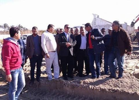 بالصور| محافظ كفرالشيخ يتابع أعمال إنشاء مصنع فصل الرمال السوداء بالبرلس