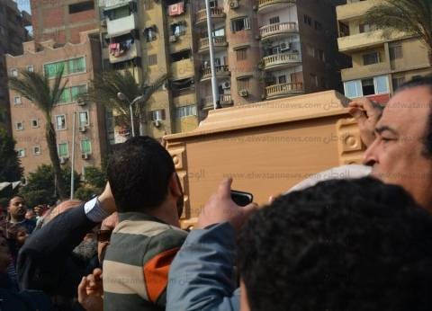 """وصول أشرف زكي وميرفت أمين لجنازة كريمة مختار بـ """"عمرو بن العاص"""""""