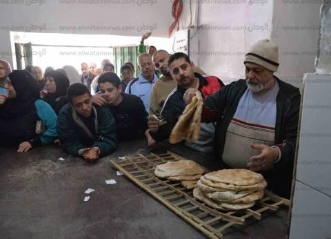 """""""تموين الإسكندرية"""" تضبط صاحب مخبز نصف آلي يجمع الدقيق المدعم"""