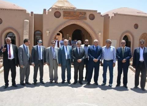 محافظ الوادي الجديد يستقبل وفد لجنة الإدارة المحلية بمجلس النواب