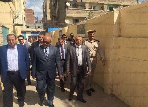 مساعد وزير الداخلية ومدير أمن البحيرة يوجهان بحسن معاملة المواطنين