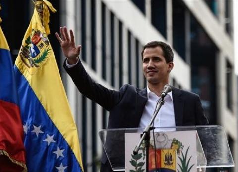 أستاذ سياسة يوضح سيناريوهات الأزمة الرئاسية في فنزويلا