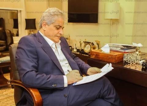 """أسامة كمال: """"الوزن واللبس والمهنية"""" أهم معايير الإعلامي الناجح"""
