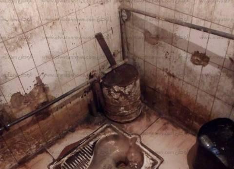 فوضى فى العتبة: «الحمام» مشترك للرجال والنساء.. و«التشطيف بالجردل»