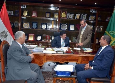 محافظ القليوبية يستعرض خطة تطوير مدينة الخصوص وممشى النيل ببنها