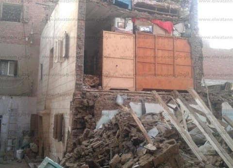 إصابة شخصين في انهيار منزل بسوهاج