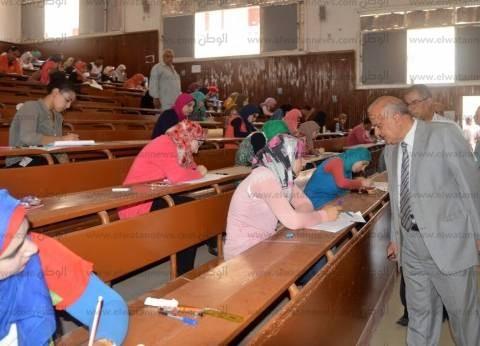 """بالصور  رئيس جامعة طنطا يتفقد اختبارات القدرات بـ""""التربية النوعية"""""""