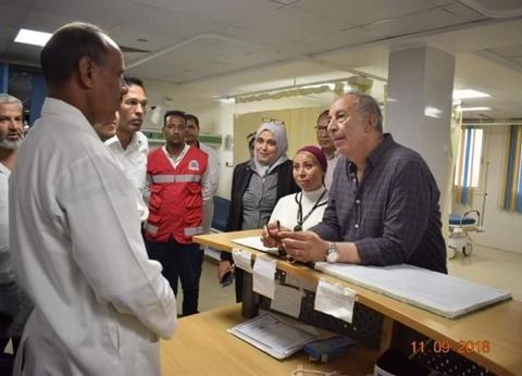 محافظ البحر الأحمر يتفقد العمل بمستشفى الشلاتين المركزي