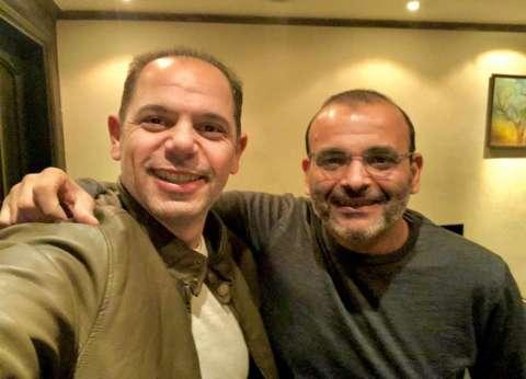 """رامي إمام يتعاقد مع أيمن بهجت قمر على """"فالنتينو"""" الزعيم لعرضه في رمضان"""
