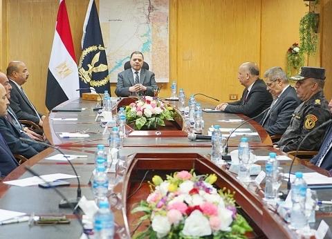 بالصور| وزير الداخلية يشرف على إجراءات تأمين ملتقى الشباب في أسوان